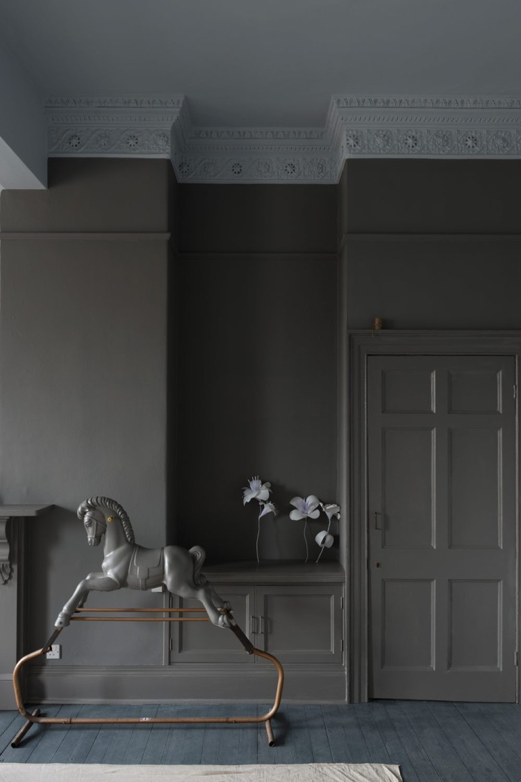 moles breath by farrow and ballis really dramatic when you paint the picture rail and skirting boards to match
