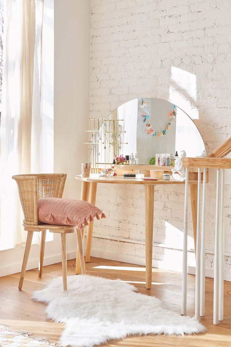 arc dressing table from urban outfitters