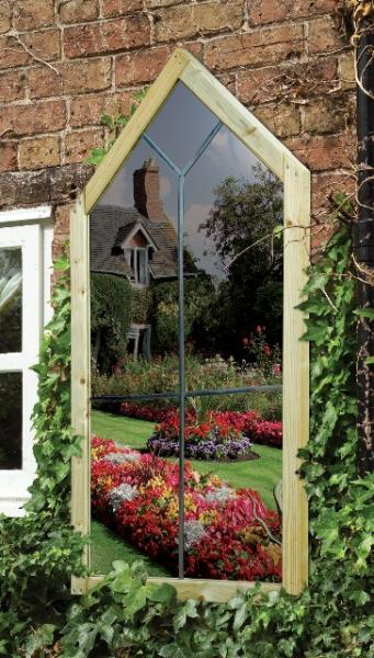 create the illusion of space in your garden