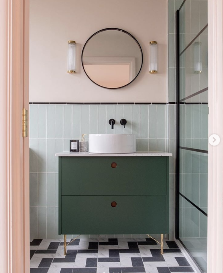 pink and green bathroom image via sarah akwisombe