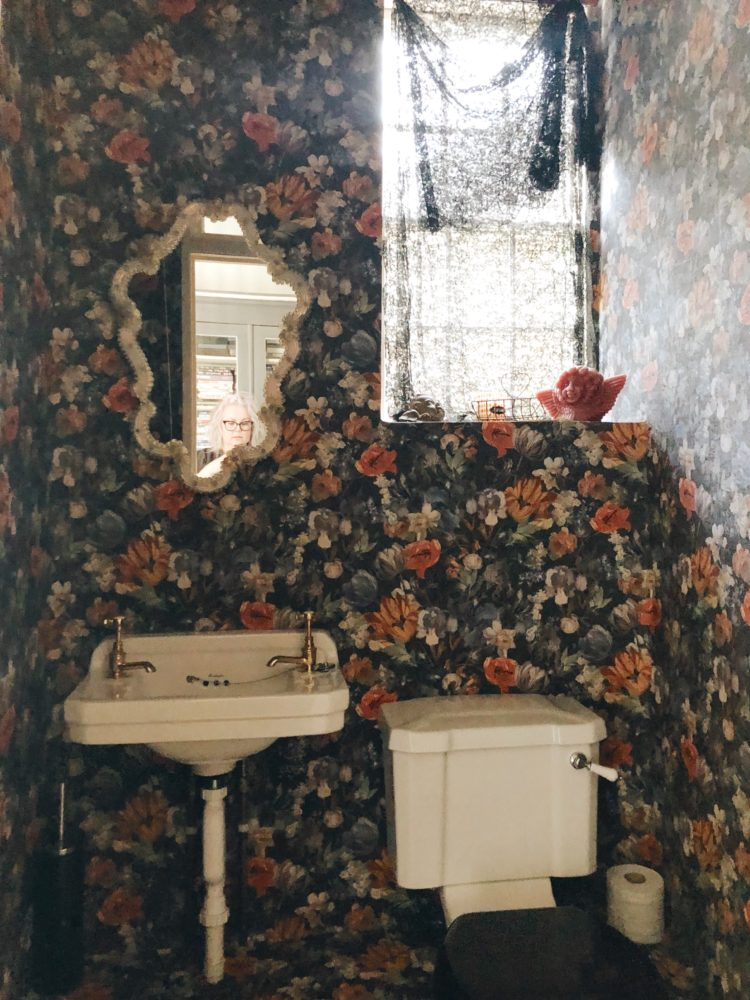 floral wallpaper in downstairs loo image by madboutthehouse
