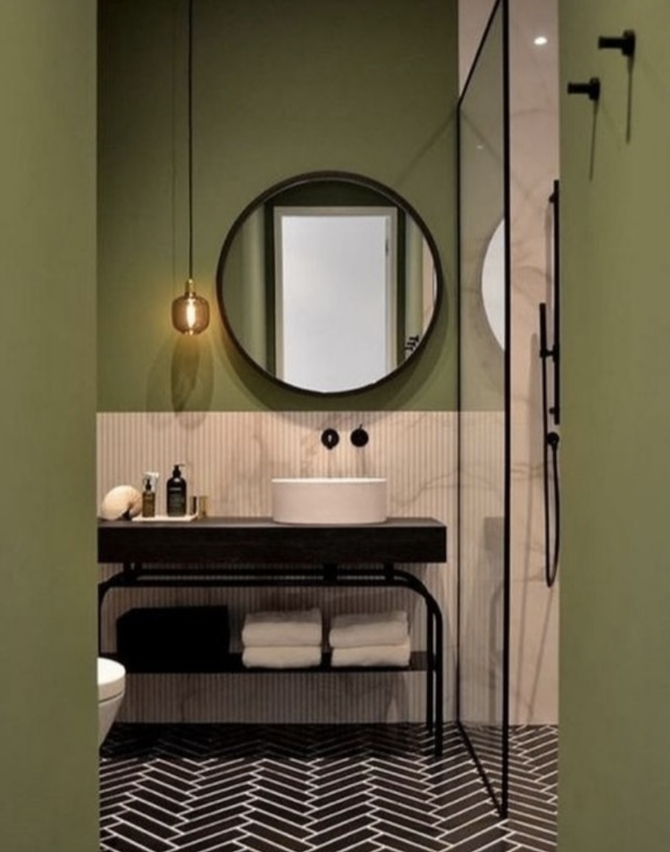 pink and green bathroom by Marion Reynolds of Pastiche Style
