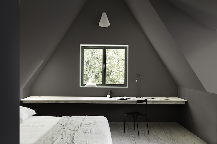 DuluxColouroftheYear tranquil dawn and damson dusk