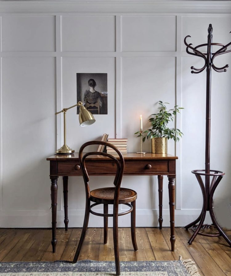 antique desk and panelling via @elle_the_home_bird