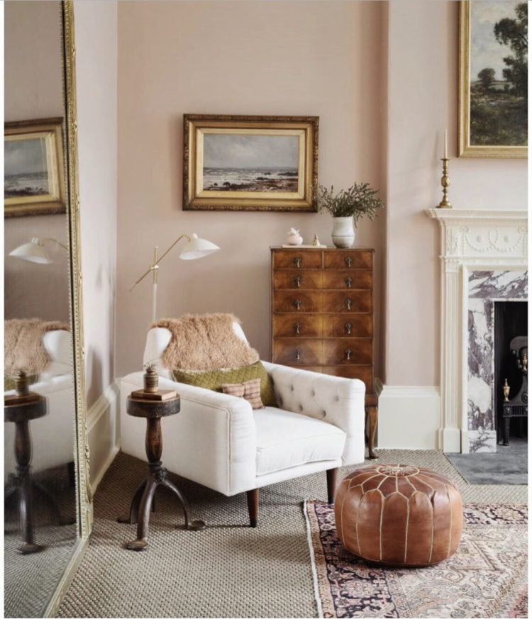 white chair with pink walls via @interiors.by.lisa.guest
