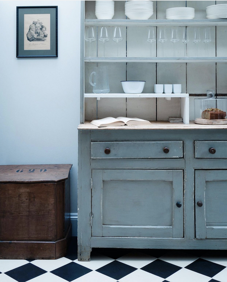 blue kitchen dresser - design by mark lewis photographed by rory gardiner